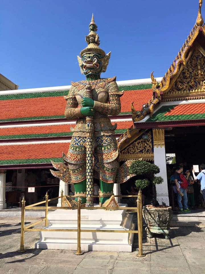 Grand palace in bagkok should be on any 10 day Thailand itinerary  I 10 Days Thailand Itinerary I Thailand Itinerary 10 Days I Best Things to do in Thailand in 10 days I Best Things to See in Thailand in 10 days I