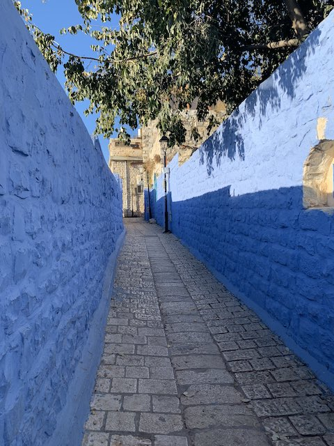 Blue walls in Safed