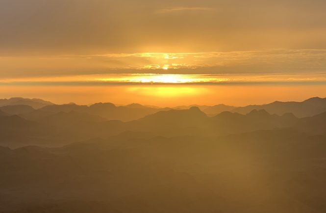 Sunrise from the top of mount Sinai