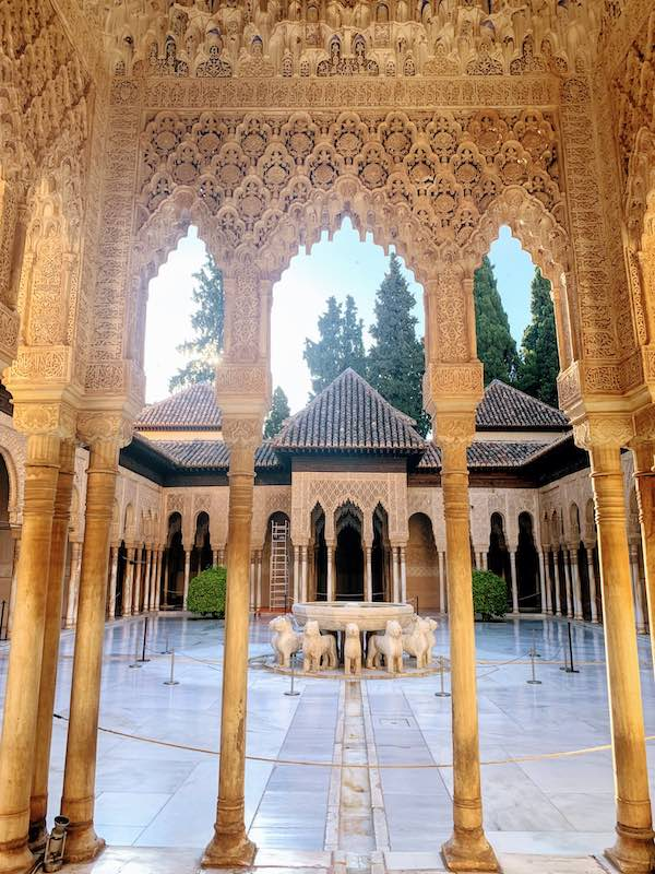 Alhambra tips Court of the Lions 1 1