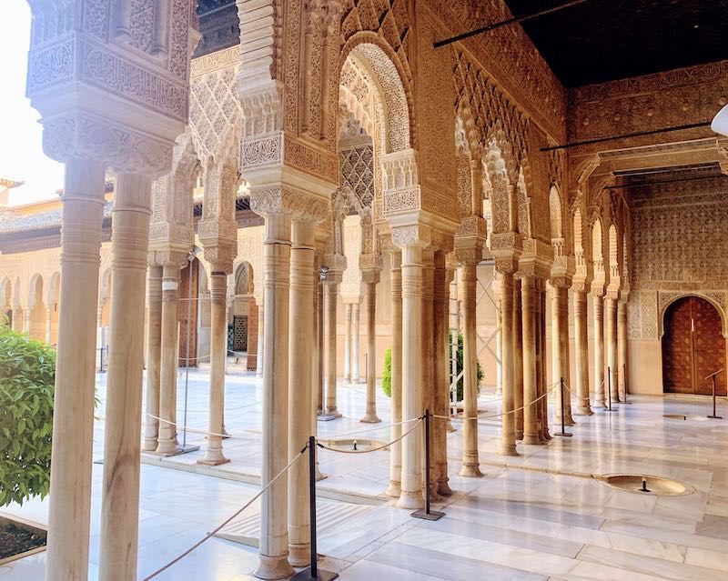 One of the Alahambra tips is to head early in the morning to Nazrid Palaces to see Place of the Lions before the tourist crowds come