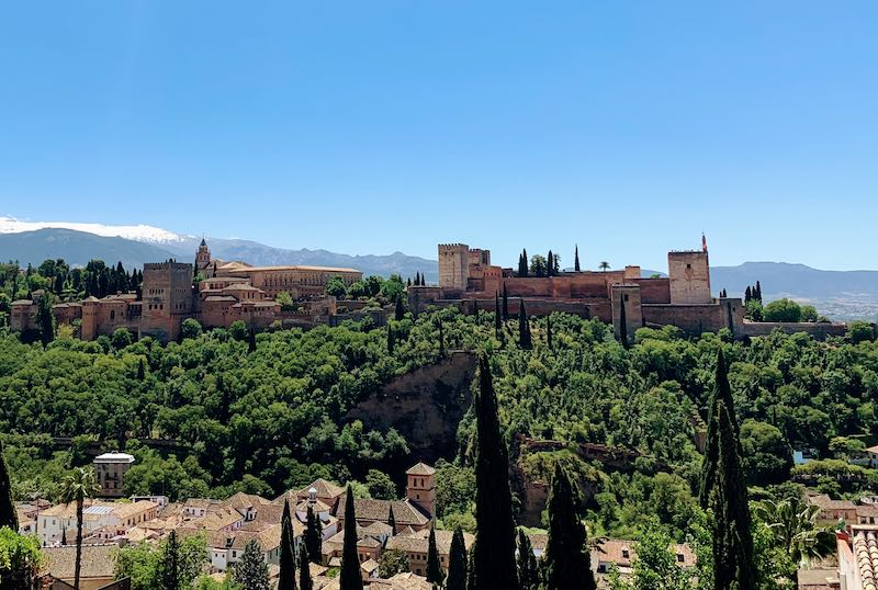 best views of one of the Alahmabra tips is to go to Albaicín for the best views of Alhambra