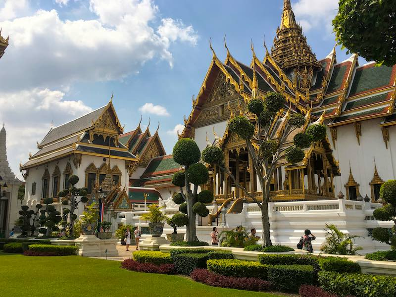 Grand Palace complex in Bangkok should be on any 10 day Thailand itinerary  I 10 Days Thailand Itinerary I Thailand Itinerary 10 Days I Best Things to do in Thailand in 10 days I Best Things to See in Thailand in 10 days I
