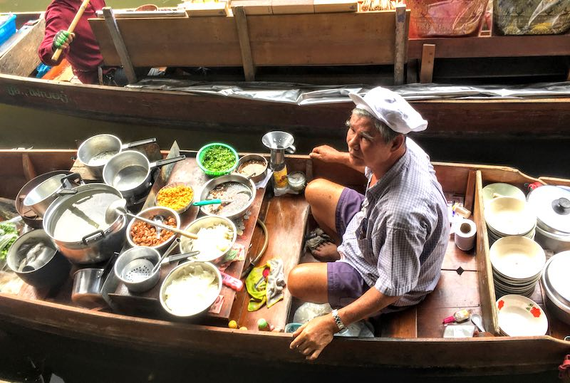 Damnoen Saduak Floating Market in Bangkok should be on any Thailand itinerary  I 10 Days Thailand Itinerary I Thailand Itinerary 10 Days I Best Things to do in Thailand in 10 days I Best Things to See in Thailand in 10 days I