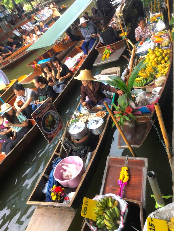 Damnoen Saduak Floating Market in Bangkok should be on any Thailand itinerary