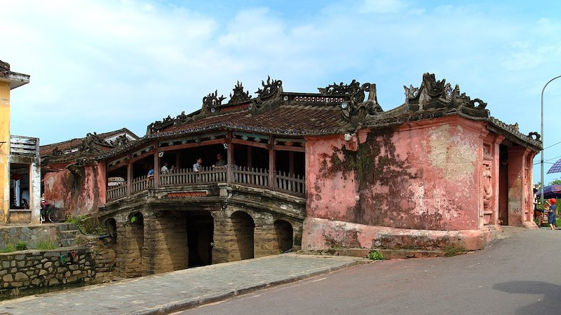 Japanese covered bridge in Hoi An should be on any 10 day Vietnam itinerary