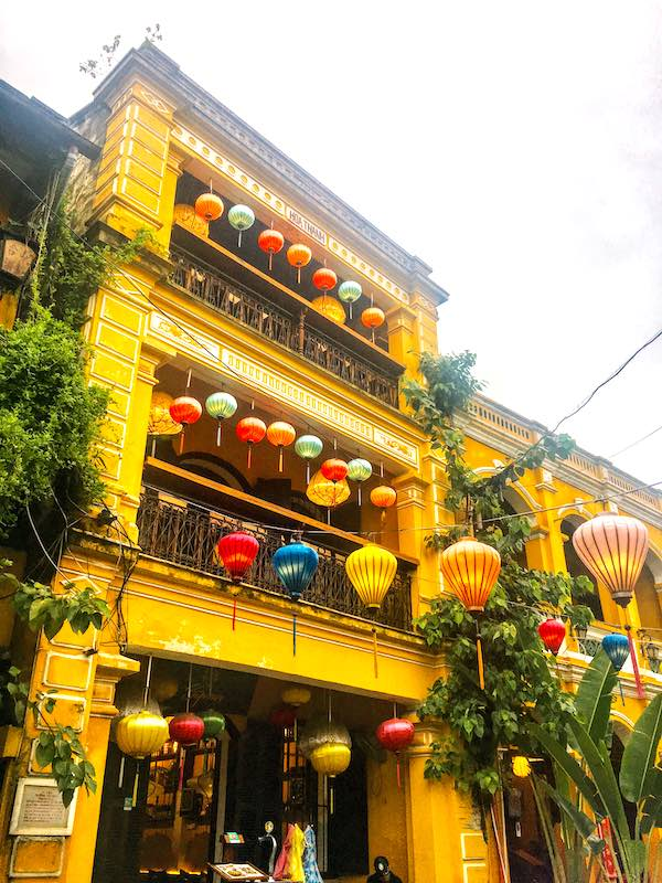 Vietnam itinerary 10 days should include the Old City of Hoi An