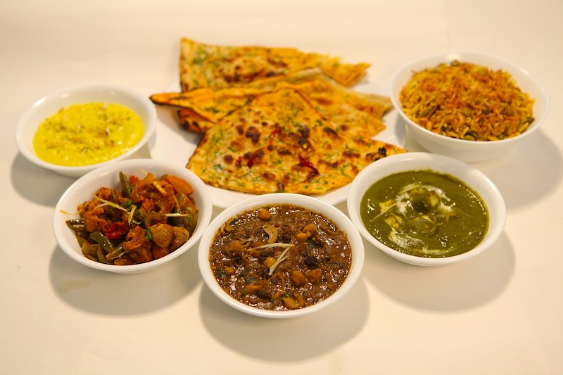 Indian Thali are famous foods around the world