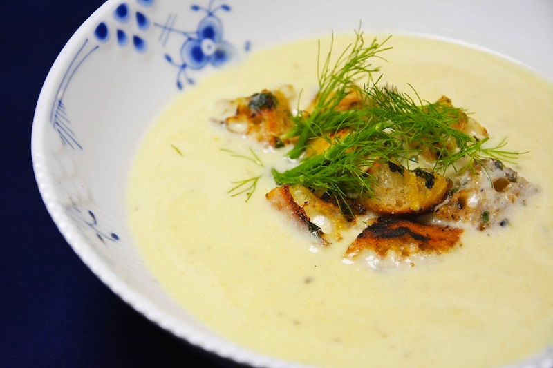 French garlic soup is one of the most famous foods around the world