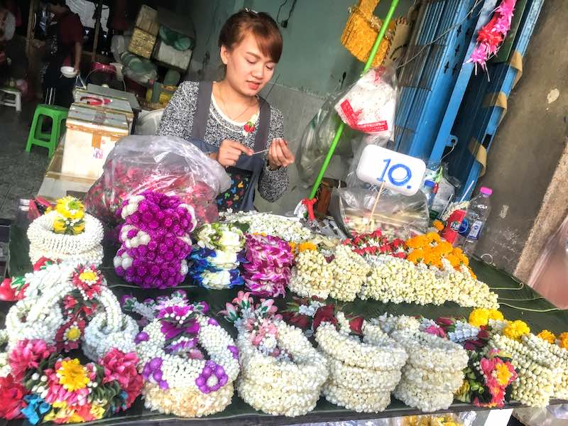 Visiting the Pak Khlong Talat flower market is one of the best things to do in Bangkok
