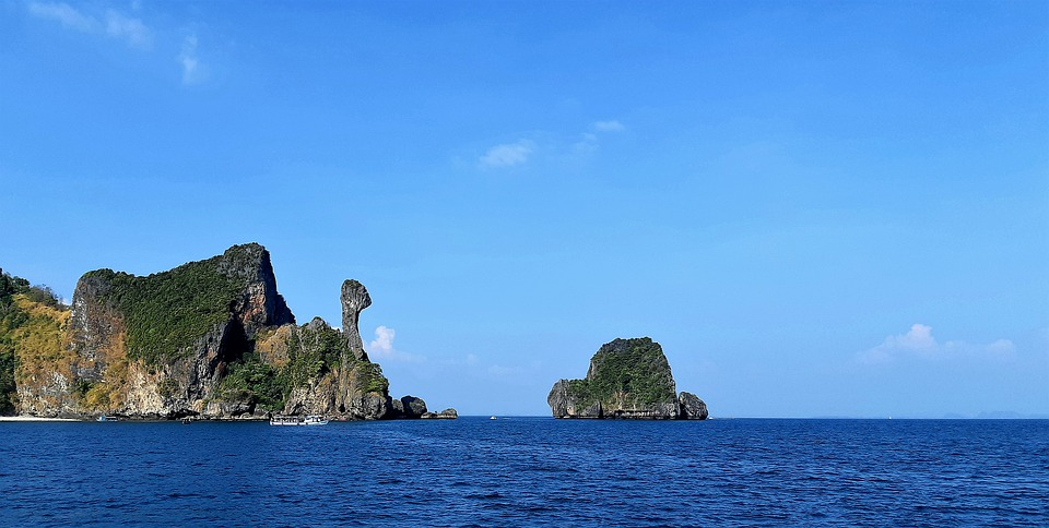Snorkelling in Chicken island in Krabi Province is one of the best Thaialdn things to do