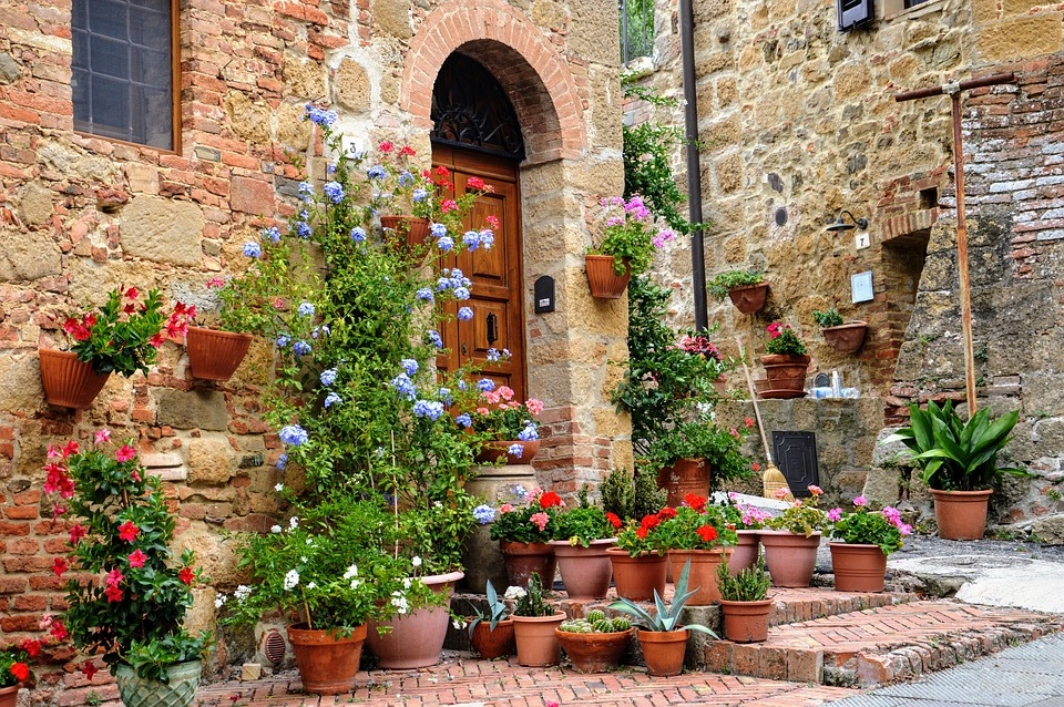 Traditional Tuscan foods Tuscany house