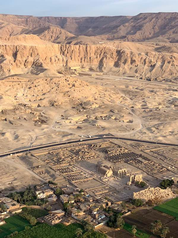 One of the best things to do in Egypt is to see amazing Valley of the Kings from a hot air ballon