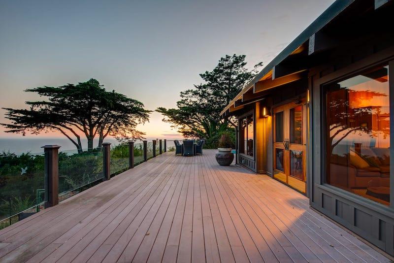 Deck of Big Sur Airbnb Oceanfront Retreats