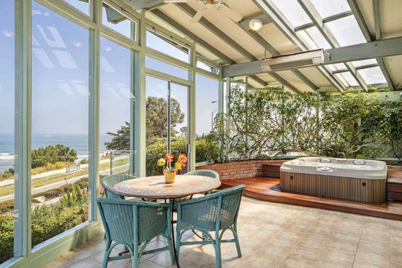 Surfers paradise is the best Santa Barbara airbnb with ocean view