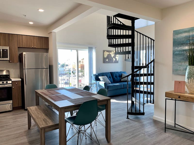 Best Los Angeles Airbnb Koreatown apt