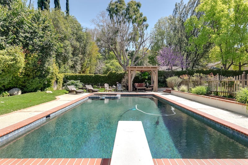 Best Woodland Hills Airbnb in Los Angeles