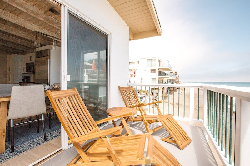this oceanfront townhouse is one of the best airbnbs in Malibu