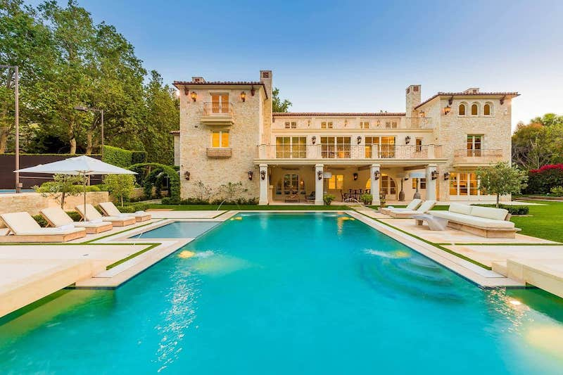 This ultra luxury villa is one of the best airbnbs in malibi