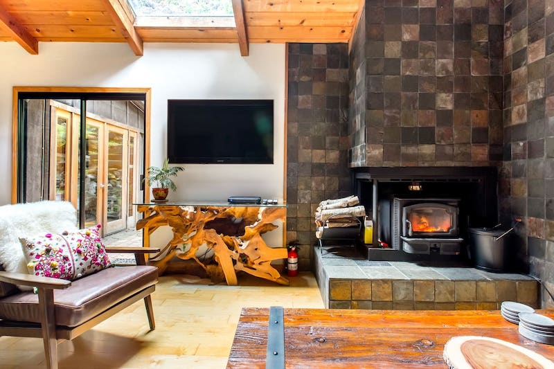 This cabin is of the the best Big Sur glamping rentals
