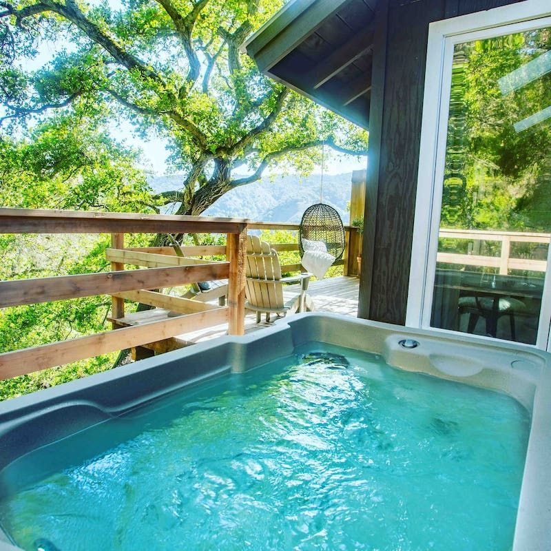 This treehouse with a hot tube is one of the best Big Sur glamping rentals