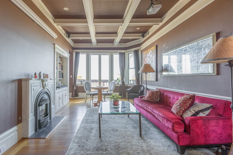 This Haight Asbury apartment is one of the best airbnbs in San Francisco