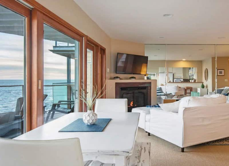 This Malibu apartment is one of the best airbnbs in Santa Monica area