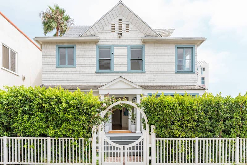 This beach house is one o f the best airbnbs in Santa Monica