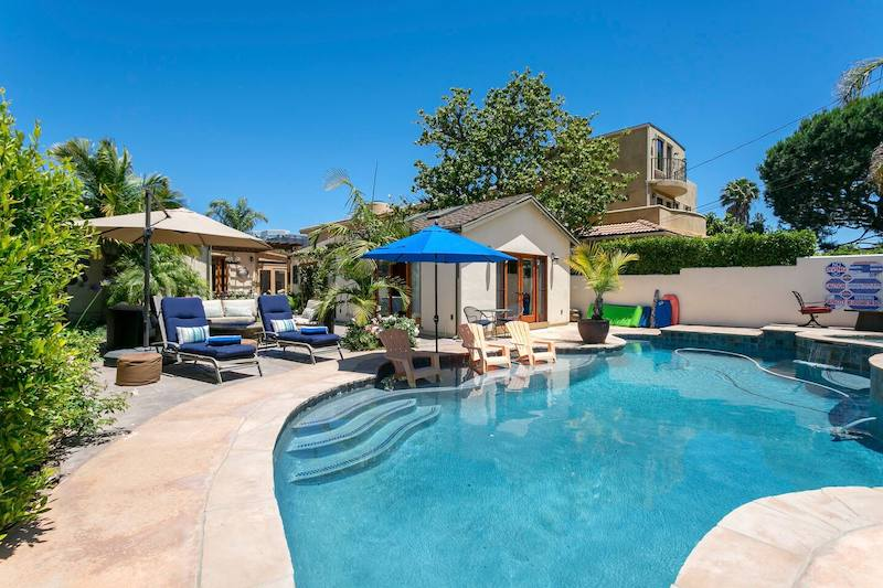 This house with a pool is one of the best airbnbs in Santa Monica
