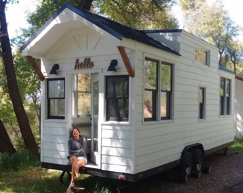 This tiny farm house is one of the best airbnbs in Yosemite