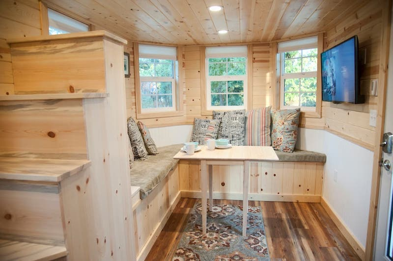 This tiny house is one of the best airbnbs in Yosemite