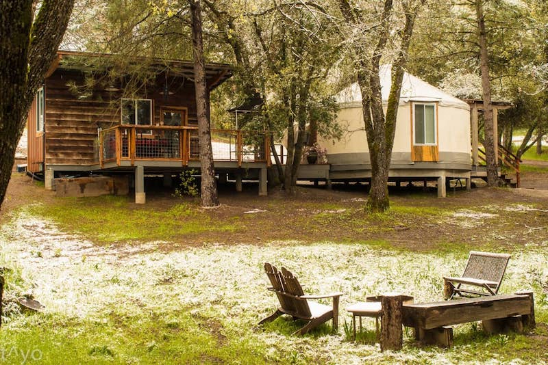 This yurt is one of the best airbnbs in Yosemite