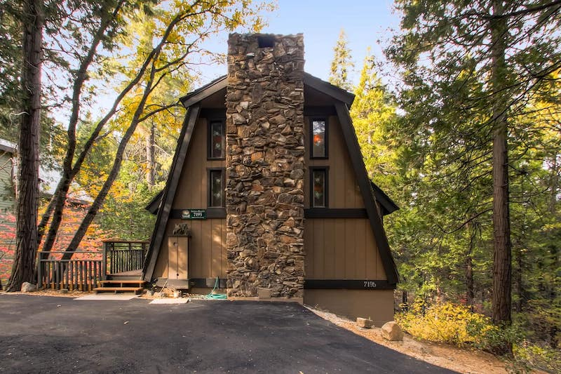 This cabin is one of the Yosemite cabins with the best views