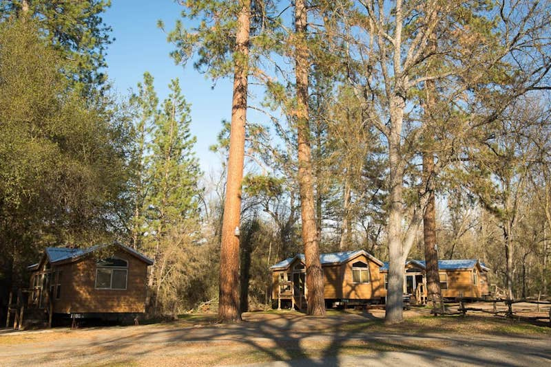 These family cabins are some of the best cabins in Yosemite National Park