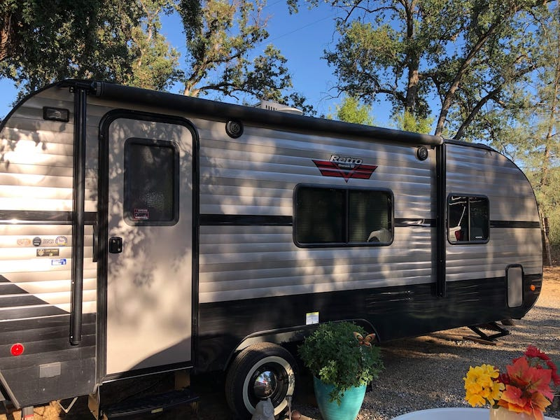 Retro Airbnb camper in Yosemite is one of the best airbnbs in Yosemite