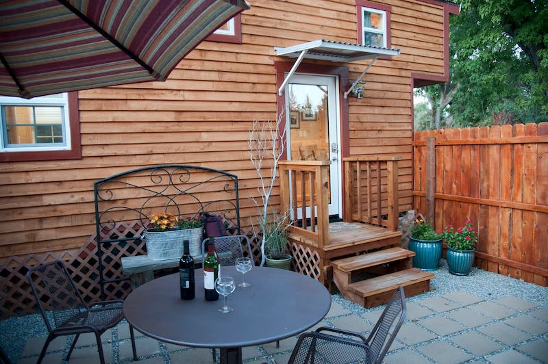 This patio belongs to one of the best airbnbs in Yosemite