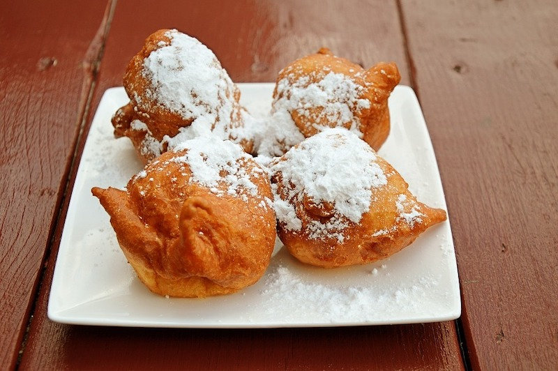 Buñuelos de viento are some of the most popular traditional Spanish desserts in Spain